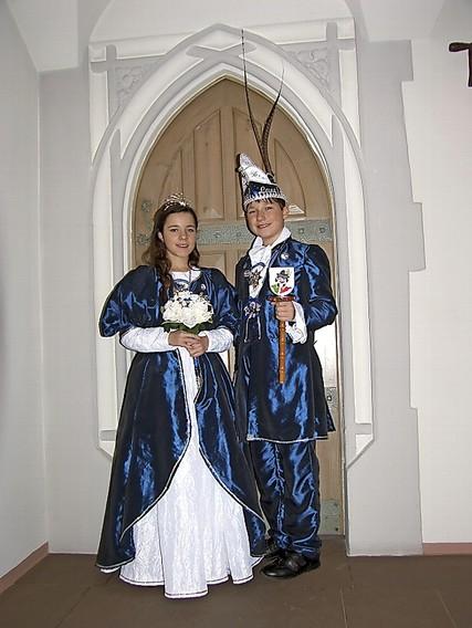 Das Dudweiler Kinderprinzenpaares, Prinz Lars I und Prinzessin Larissa I, vom HKV begrüßte die Narren im Schützenhaus. Foto: Petra Bonner